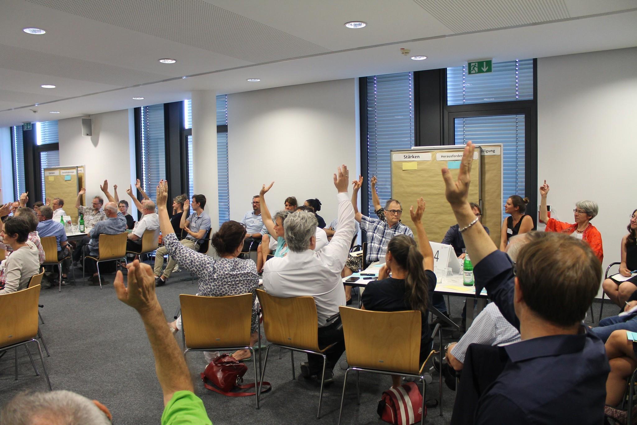 Cittadini e istituzioni a dialogo sul clima: le assemblee sul clima in Francia e Germania
